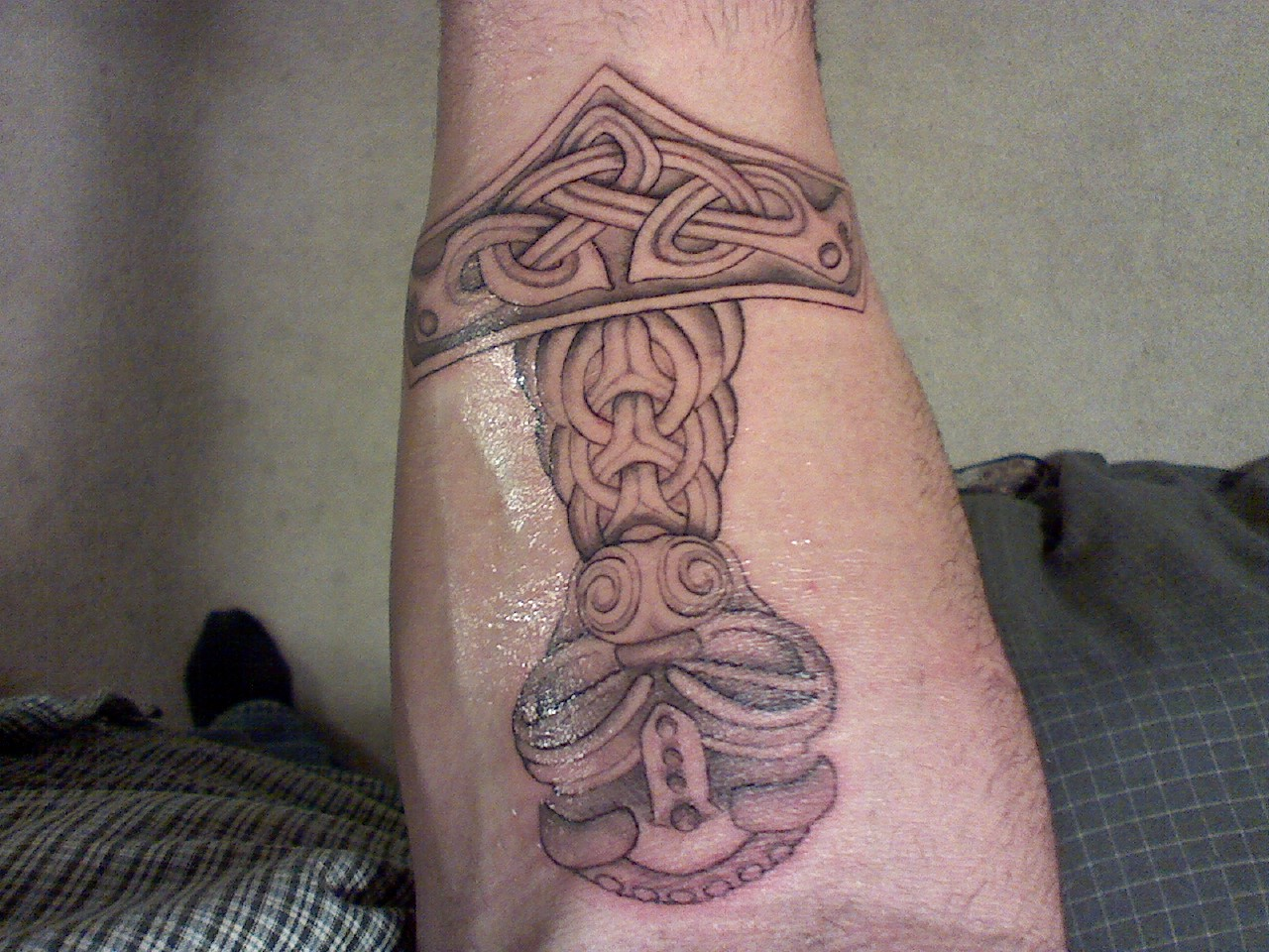 Pictures Of Thor Hammer Tattoo Marvel Kidskunst Info