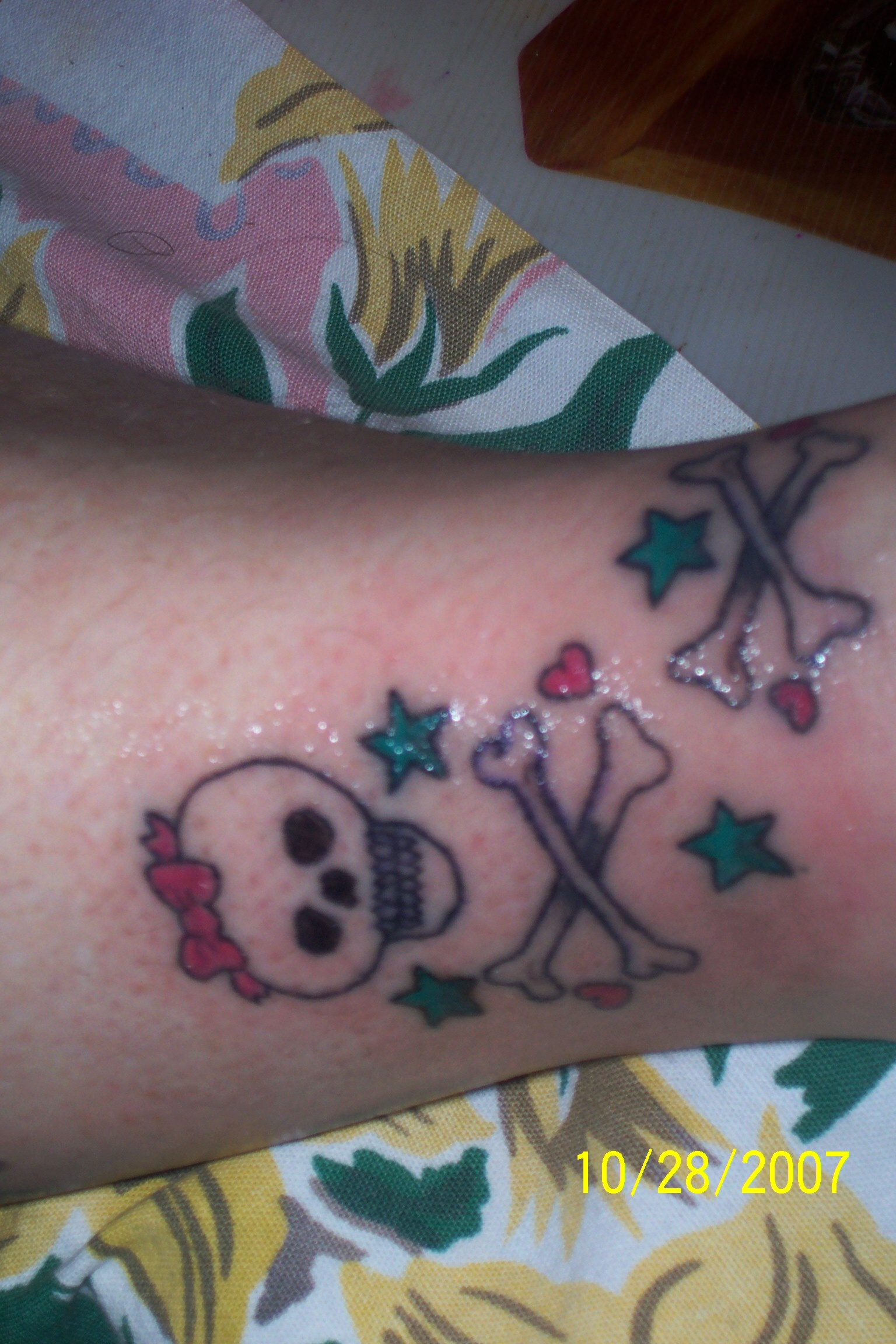 gurly skull and cross bones