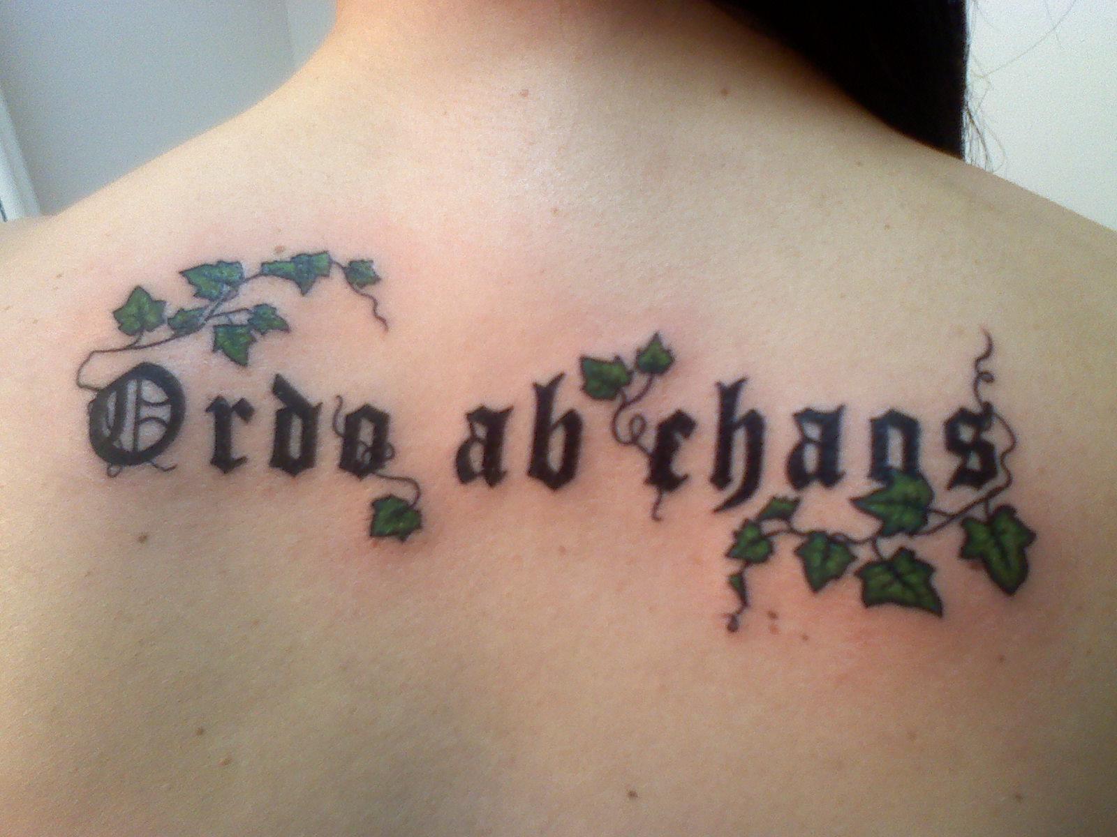 Тату надпись мой ангел всегда со мной на латыни фото с переводом