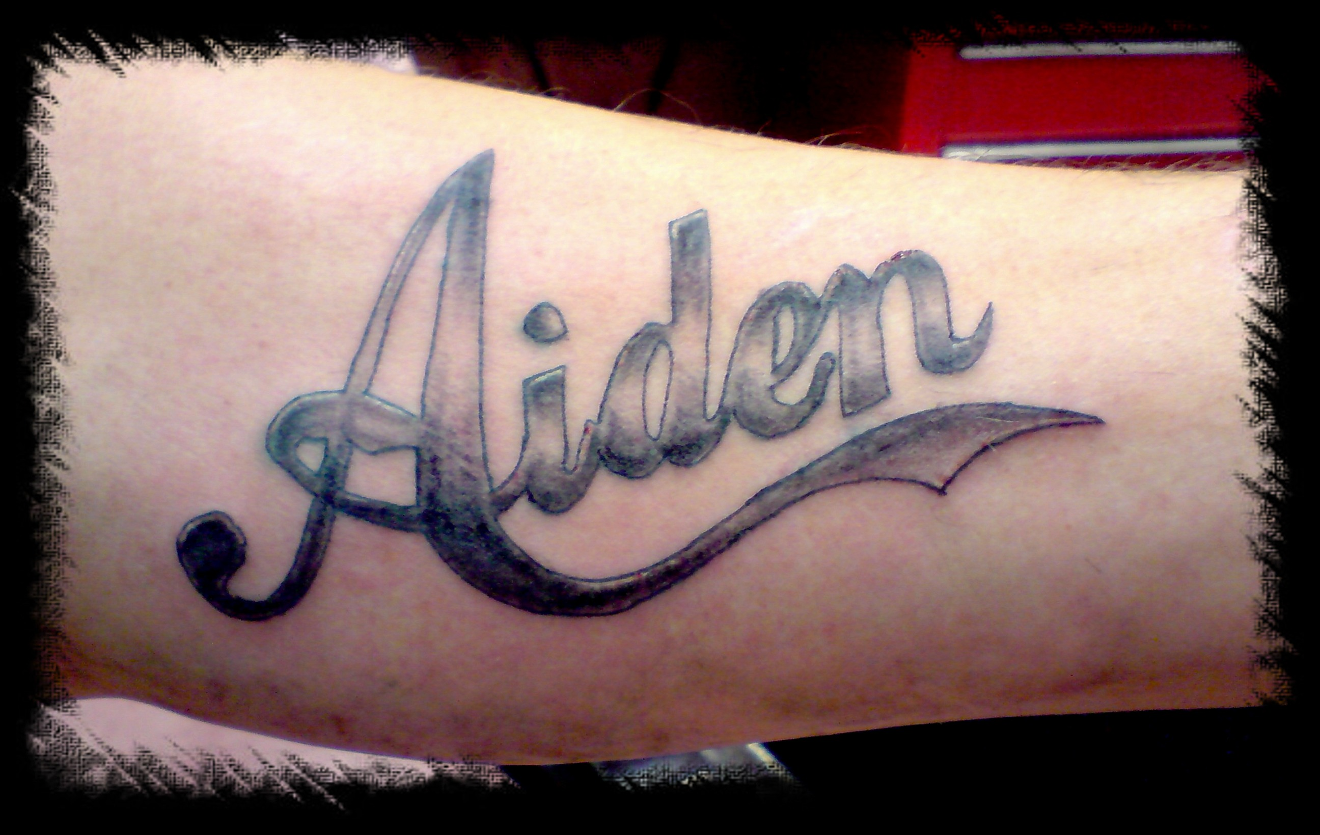 AIDEN LETTERING