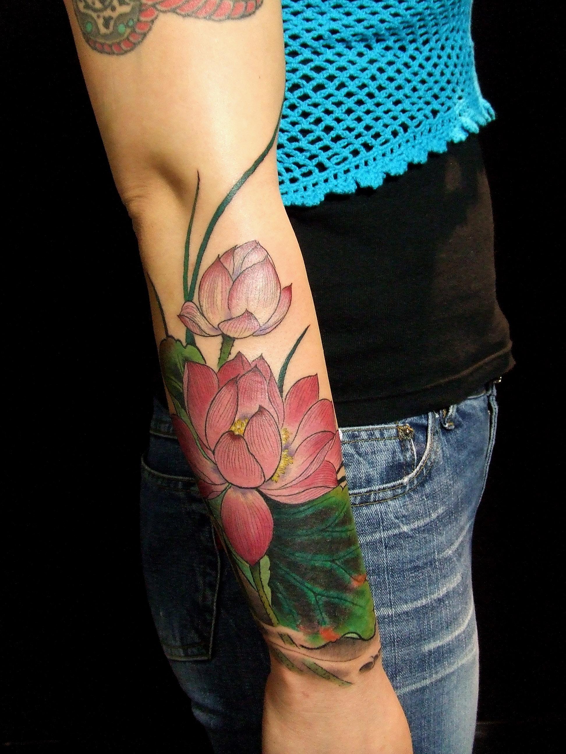 Тату цветок лотос значение для девушек