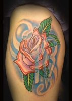 Traditional rose by Beto Munoz