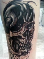 twisted skull leg sleeve start