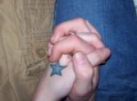 hands and star